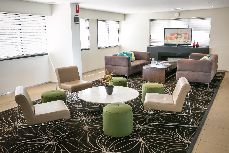 Alpha Hotel_Lobby Lounge 2