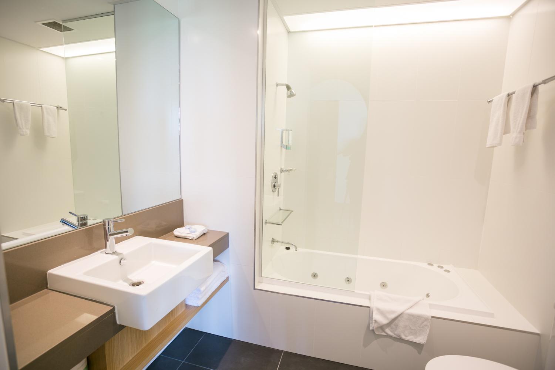 Alpha Hotel_Suite Bathroom